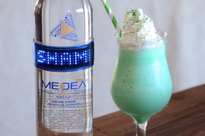 Medea Irish Shake